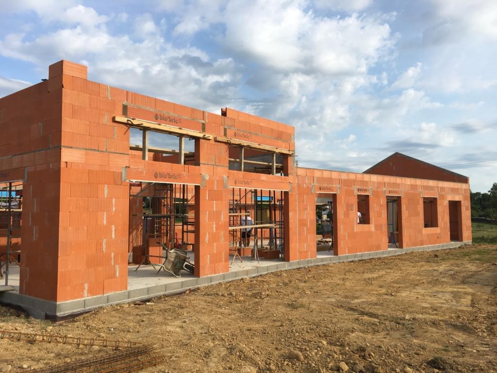 Construction d 39 une maison individuelle druillat 01 for Entreprise construction maison individuelle